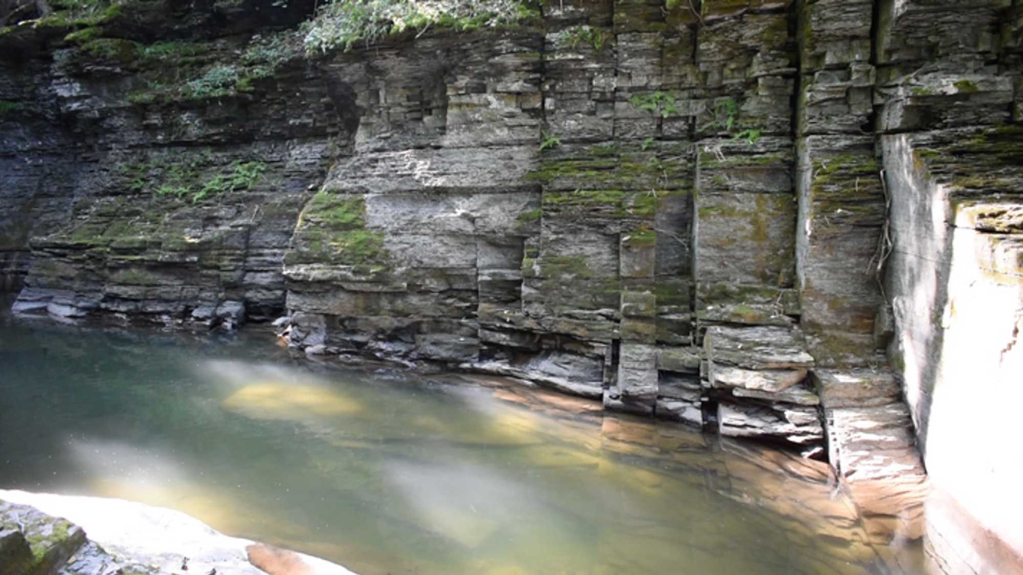 Photograph of joint surfaces in Six Mile Creek.
